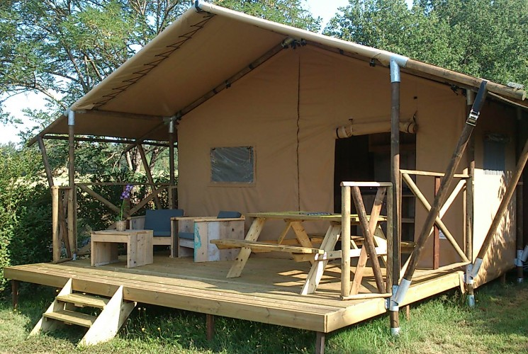 Lodge Luxury Tent 4 people with bathroom ... & camping vacancy in France Dordogne Aquitaine South | Camping ...