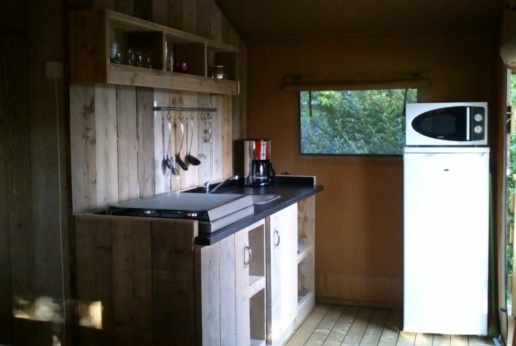 Innertent unusual Lodge South Dordogne kitchen comfort