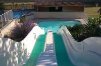 Wasserpark, Wasserrutschen, Schwimmen Camping las Patrasses