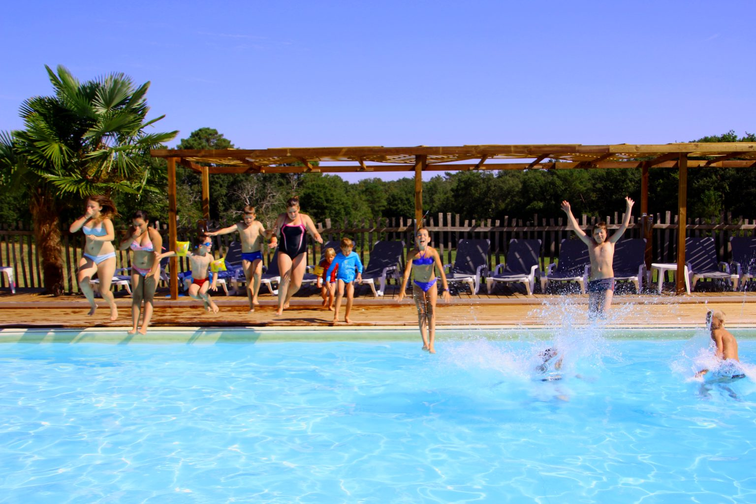 To Visit Your Swimming Pool In : LOGO 360. Camping Dordogne Referencement  Google