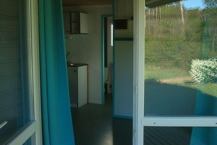 Grand chalet avec 2 chambres toilettes et grande douche