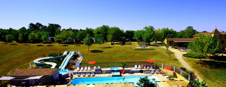 camping dordogne avec piscine chauffée et toboggans