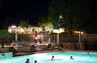 Activité piscine, jacuzzi, tobbogans