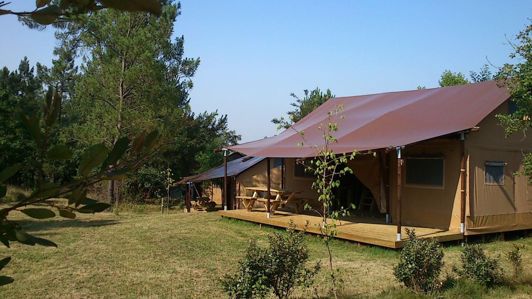 camping dordogne insolite court s jour camping dordogne 4 toiles. Black Bedroom Furniture Sets. Home Design Ideas