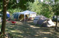 空间充足的自带帐篷空地营位